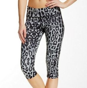 Zella Cropped Leopard Leggings
